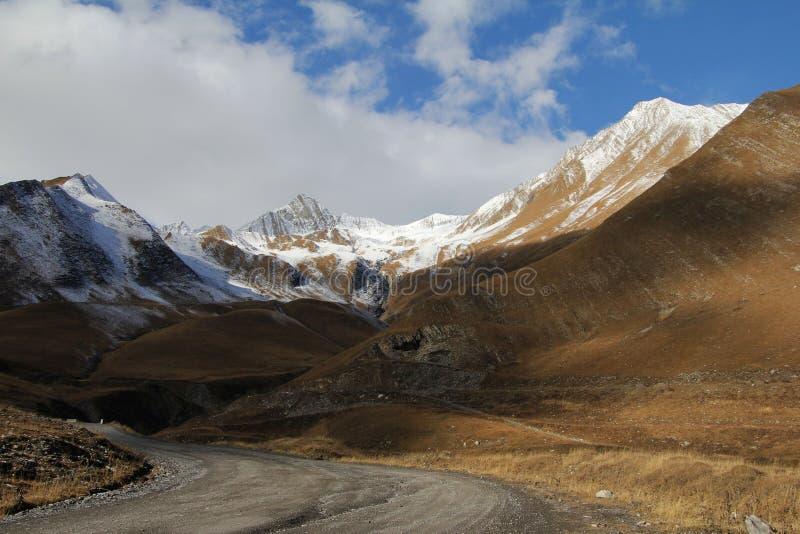De weg van de Kaukasus stock foto's