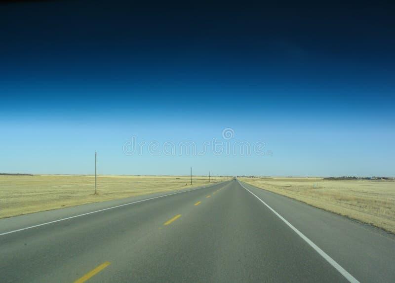 De Weg van de prairie royalty-vrije stock afbeeldingen