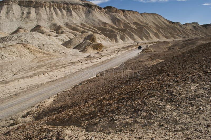 De weg van de twintig Muilezelcanion en 4WD auto royalty-vrije stock afbeelding