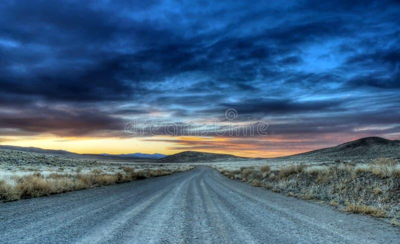 De Weg van de woestijn stock afbeeldingen