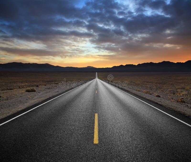 De Weg van de woestijn royalty-vrije stock foto's