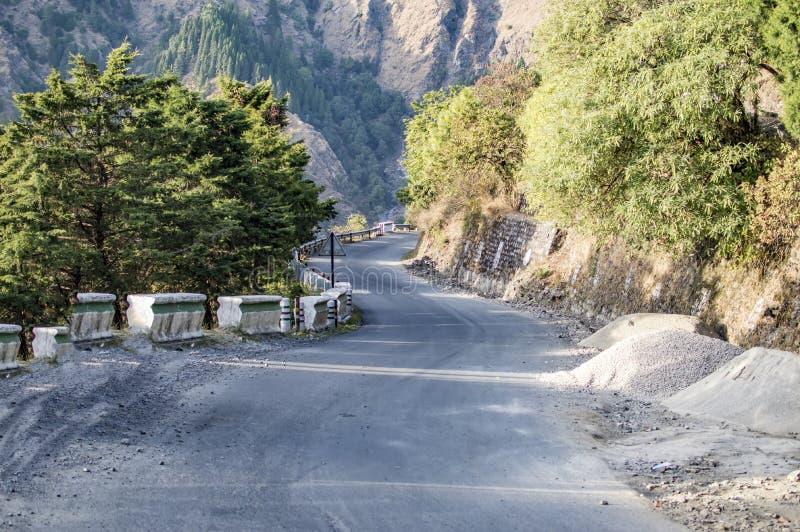 De weg van de zandsteen in vallei royalty-vrije stock foto's