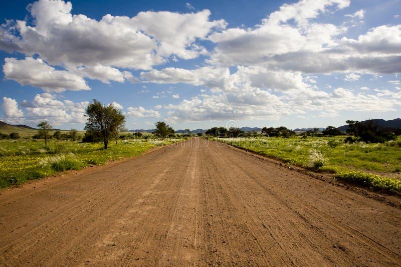 De weg van Graveld in Namibië stock afbeeldingen