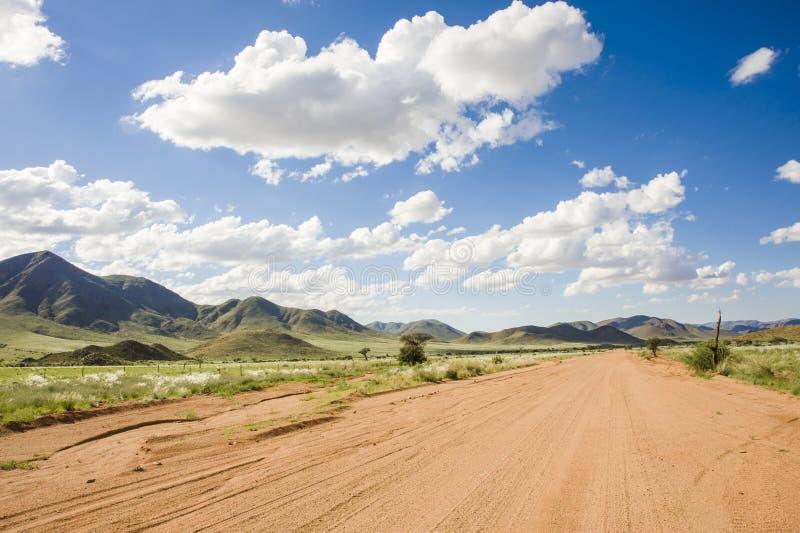 De weg van Graveld in Namibië stock fotografie