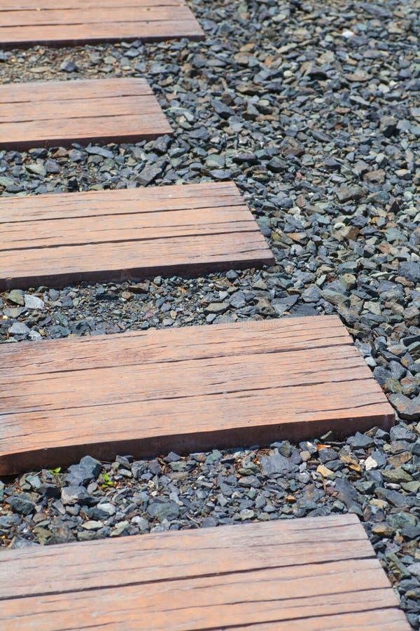De weg van het steenblok en zwarte kiezelsteen royalty-vrije stock afbeelding