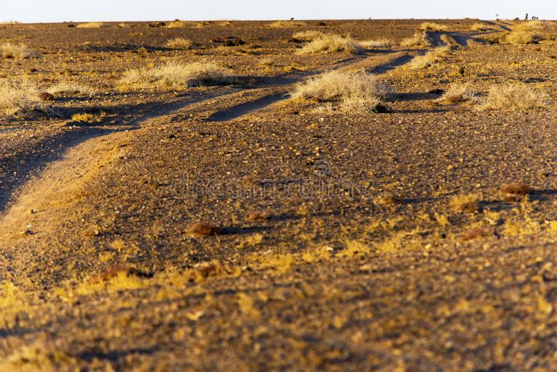 De weg van het zonsopganggrint Suvs en het maken van een concept stock afbeelding