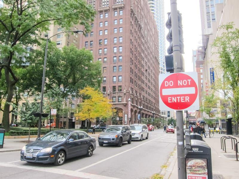 De Weg van Michigan, Chicago is de stad van wolkenkrabbers De straten, de gebouwen en de aantrekkelijkheden van Chicago van de st royalty-vrije stock afbeeldingen