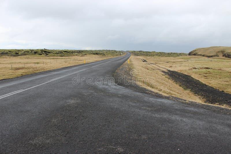 De wegdessert en vulkaan van IJsland stock foto