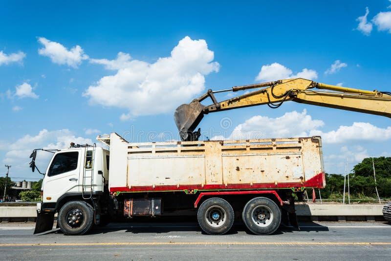 De wegenbouw, herstelt de weg stock afbeelding