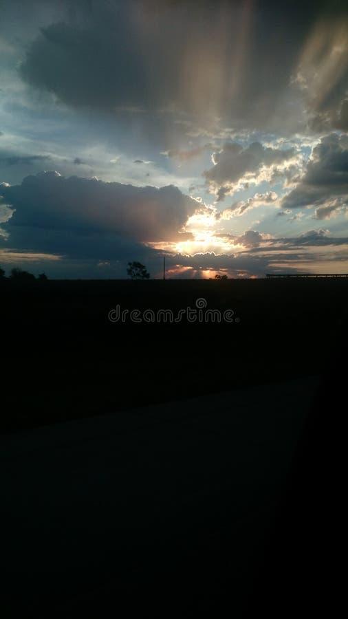 De wegreis van de wolken mooie hemel stock afbeelding