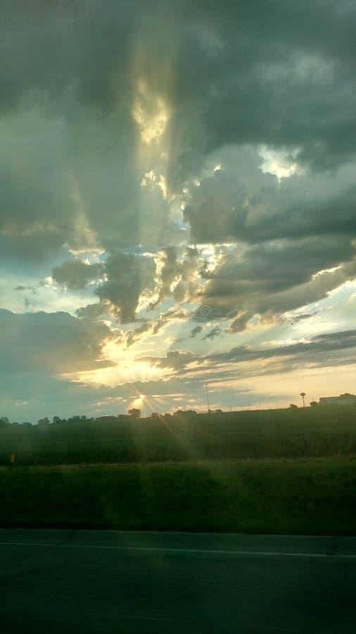 De wegreis van de wolken mooie hemel royalty-vrije stock foto's