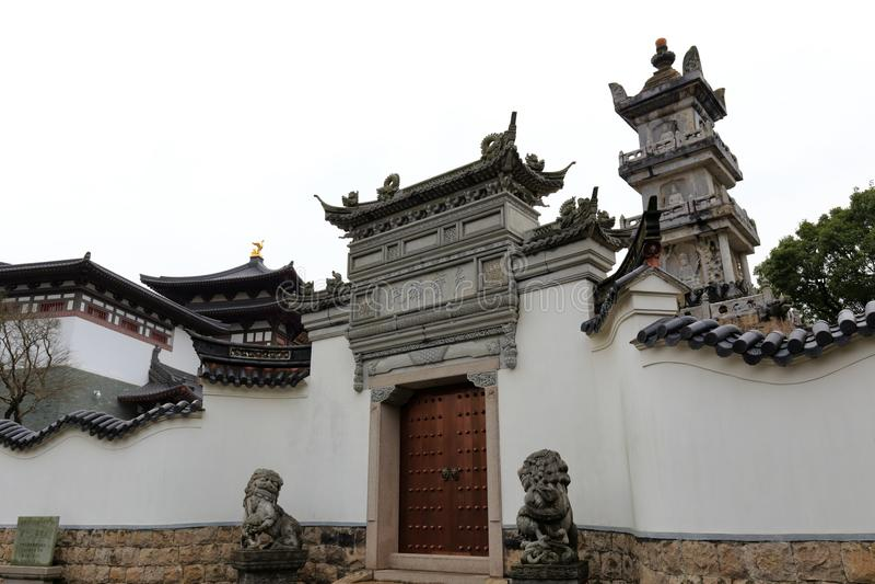 De werf van de prinstoren van pujisitempel op Putuoshan-Eiland Toneelgebied, rgb adobe royalty-vrije stock foto's