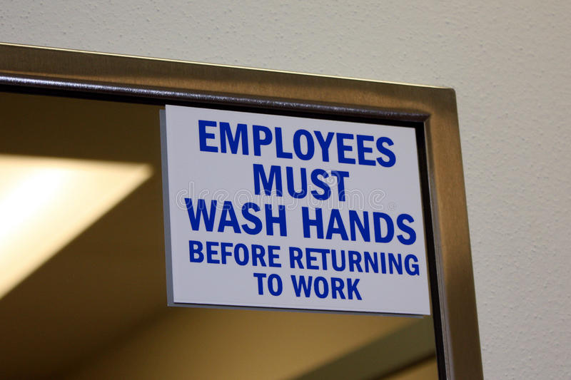 De werknemers moeten handen wassen royalty-vrije stock afbeelding