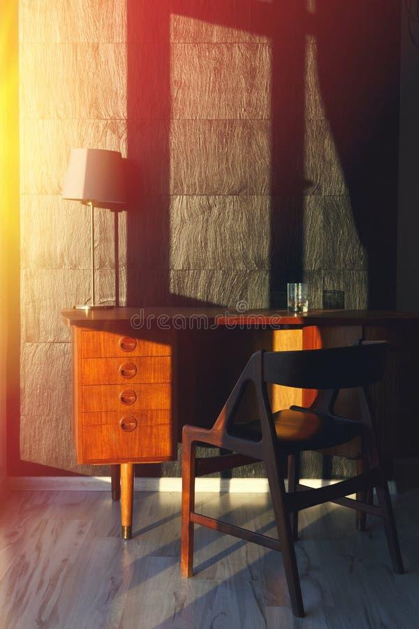 De werkplaats in de flat, sluit omhoog Het concept het werk ontwerpt thuis stock foto
