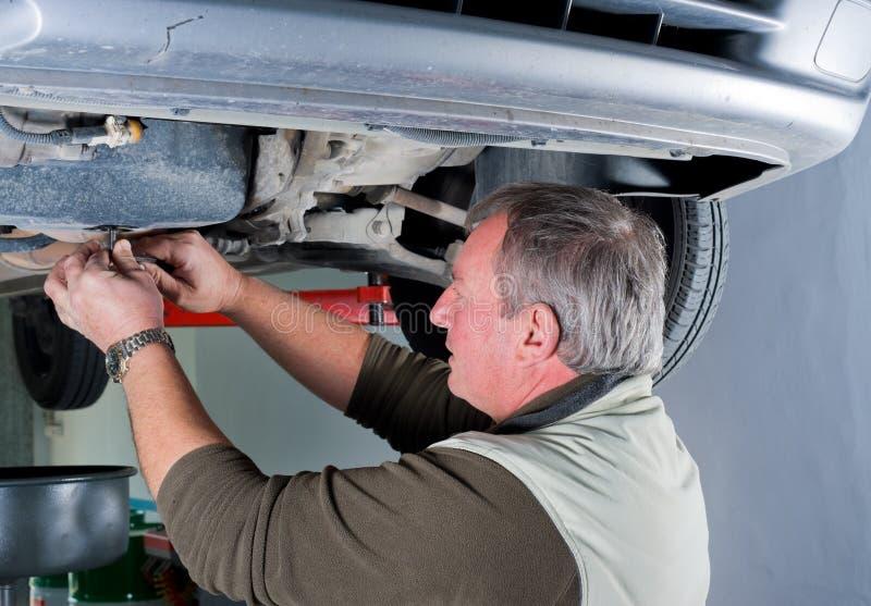 De werktuigkundige van de auto stock afbeelding