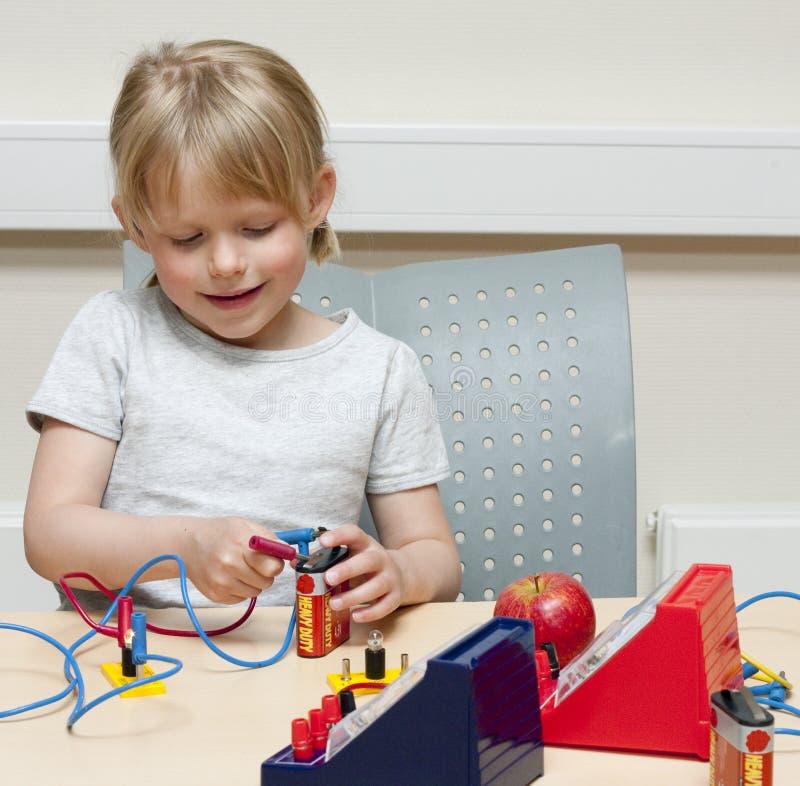 De wetenschapper van het kind stock fotografie