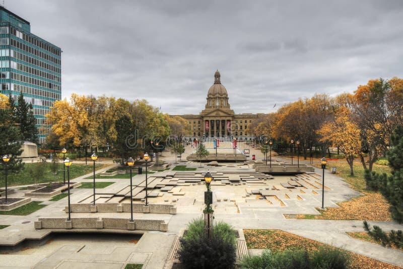 De wetgevende macht van Alberta, Canada in de herfst royalty-vrije stock foto