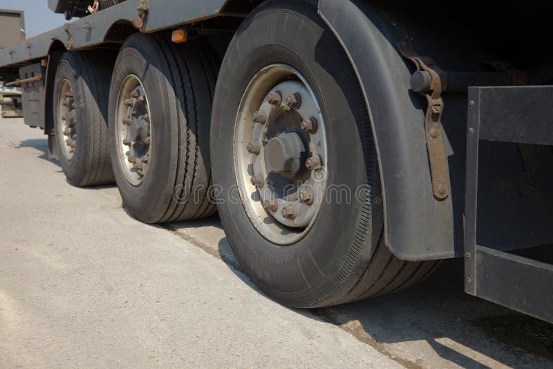 De wielen van de vrachtwagen royalty-vrije stock fotografie