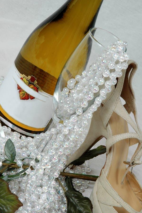 De wijn en dineert royalty-vrije stock afbeelding