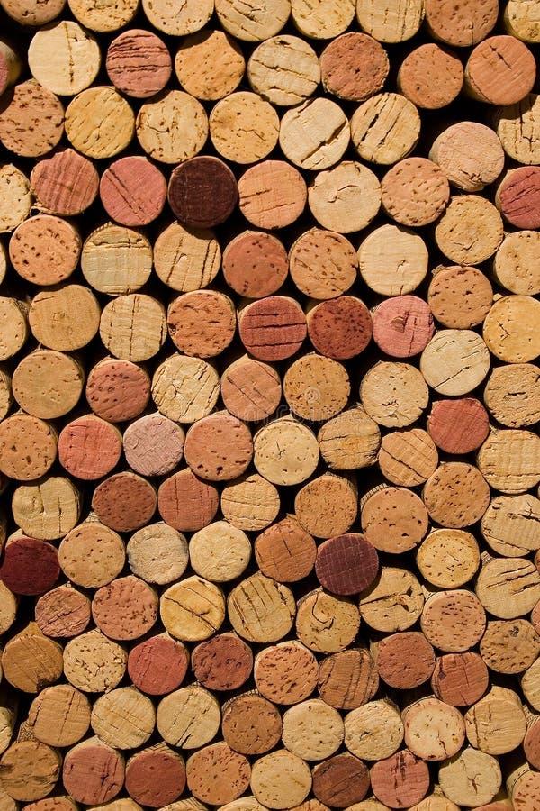De wijn kurkt Gestapeld