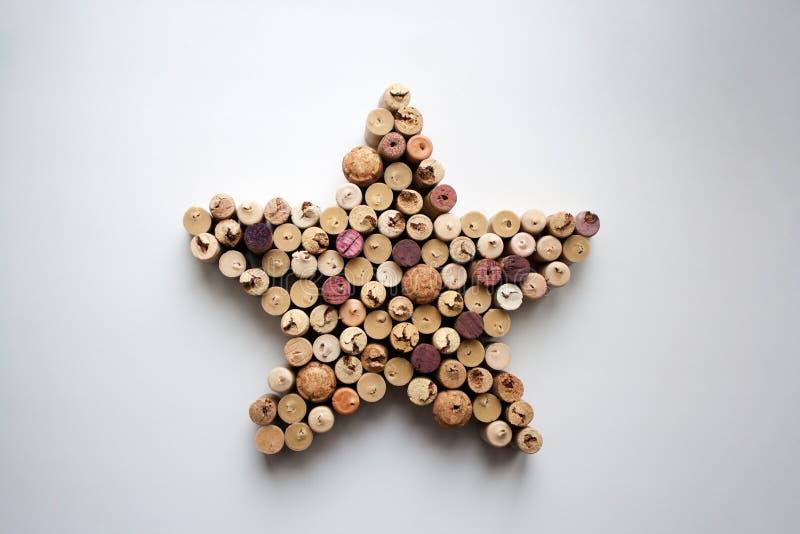 De wijn kurkt hierboven ster gestalte gegeven samenstelling van royalty-vrije stock foto's