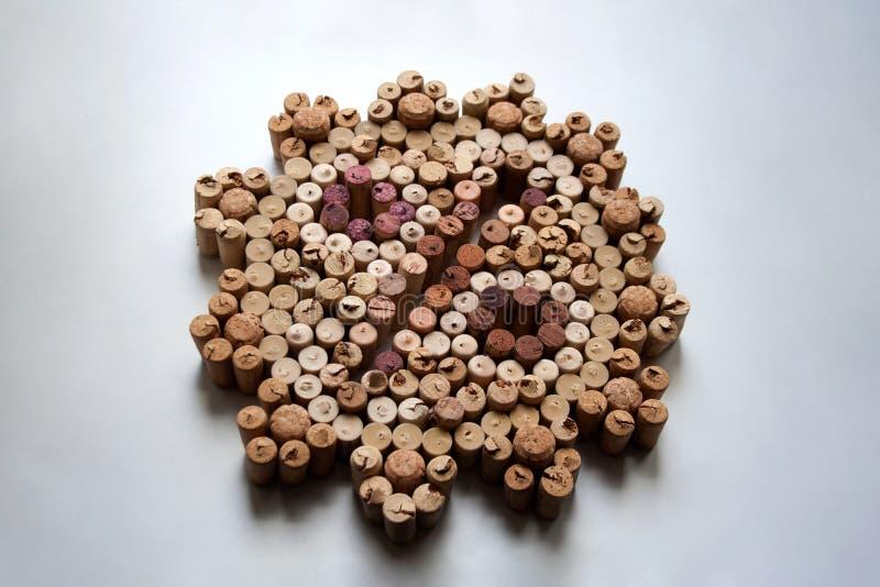 De wijn kurkt procentuele samenstelling op witte achtergrond stock afbeelding