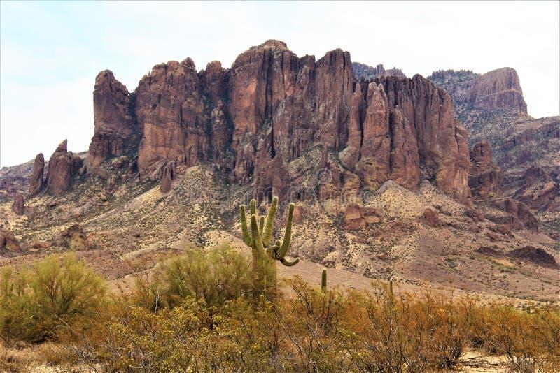 De Wildernisgebied Phoenix Arizona van bijgeloofbergen stock afbeeldingen