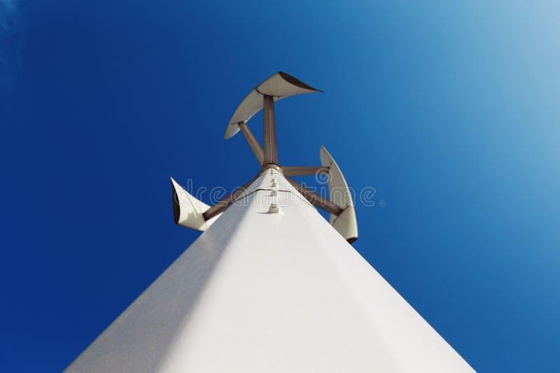 De windenergie is een vernieuwbare groene energiebron royalty-vrije stock afbeelding