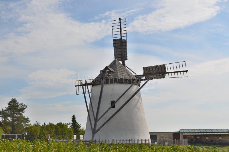 De windmolen is momenteel binnen de enige werkende windmolen royalty-vrije stock afbeelding