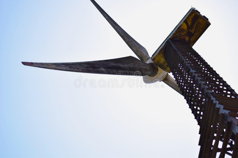 De Windmolen van het staalkader stock foto's