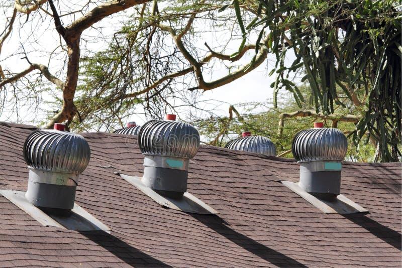 De Windturbines van de luchtopening op dak voor ventilatie royalty-vrije stock afbeeldingen