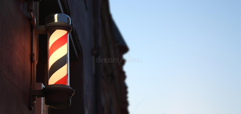 De Winkel Pool van de kapper tegen Hemel met Zaal voor Tekst royalty-vrije stock foto
