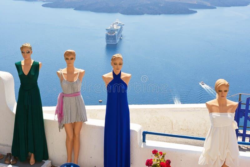 De winkel van de kleding. Santorini, Griekenland royalty-vrije stock afbeelding