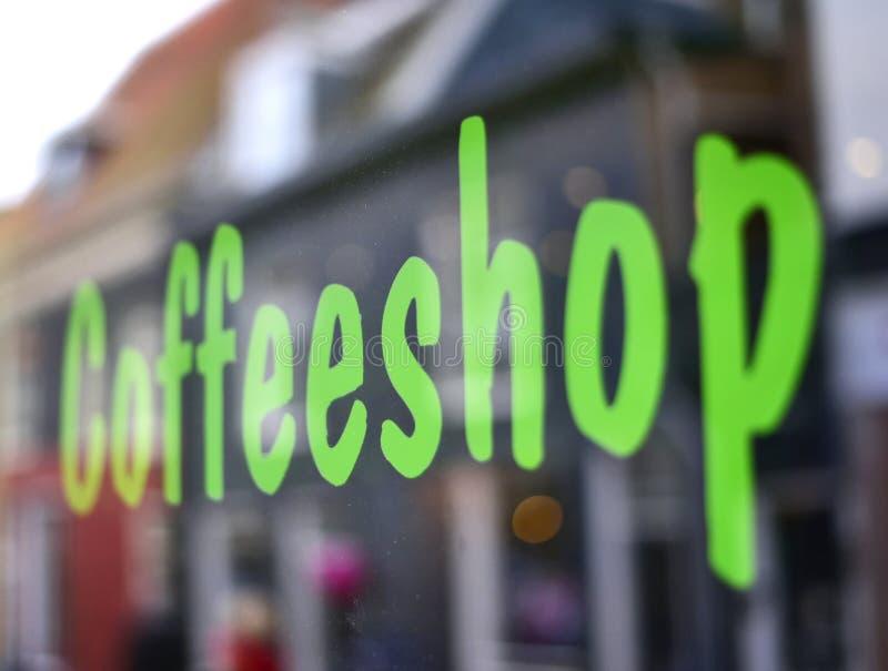 De winkel van de koffie in Amsterdam stock afbeeldingen