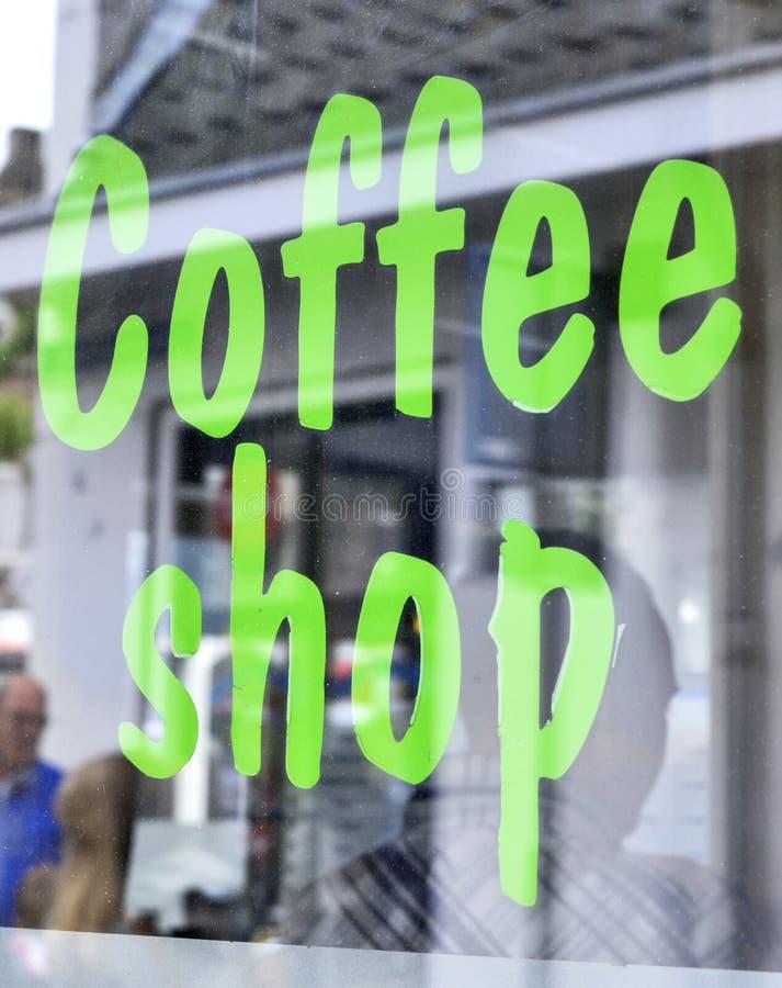 De winkel van de koffie in Amsterdam stock afbeelding