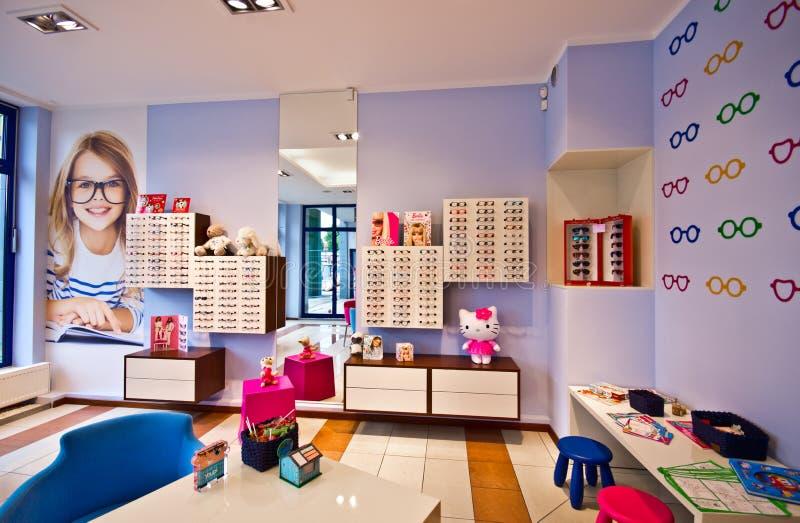 De winkel van de opticien voor kinderen royalty-vrije stock foto's