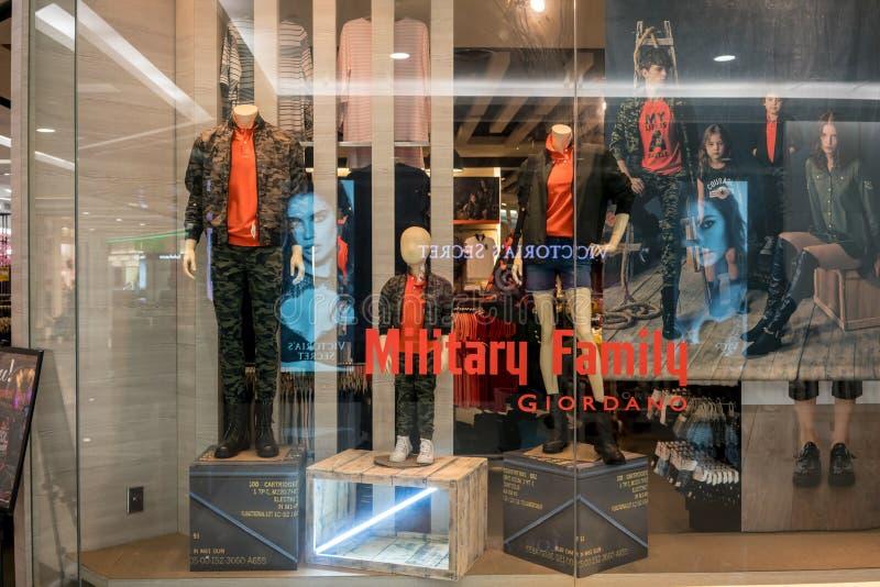 De winkel van Giordano bij Maniereiland, Bangkok, Thailand, brengt 22, 2018 in de war stock afbeeldingen