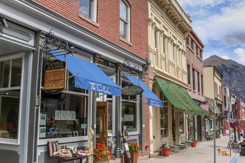 De winkels van de telluridehoofdstraat in Colorado stock foto