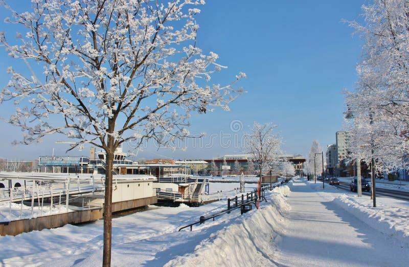 De winter in de het Noordenhaven in Luleå stock fotografie