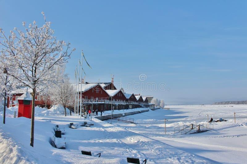 De winter in de het Noordenhaven in Luleå stock foto's