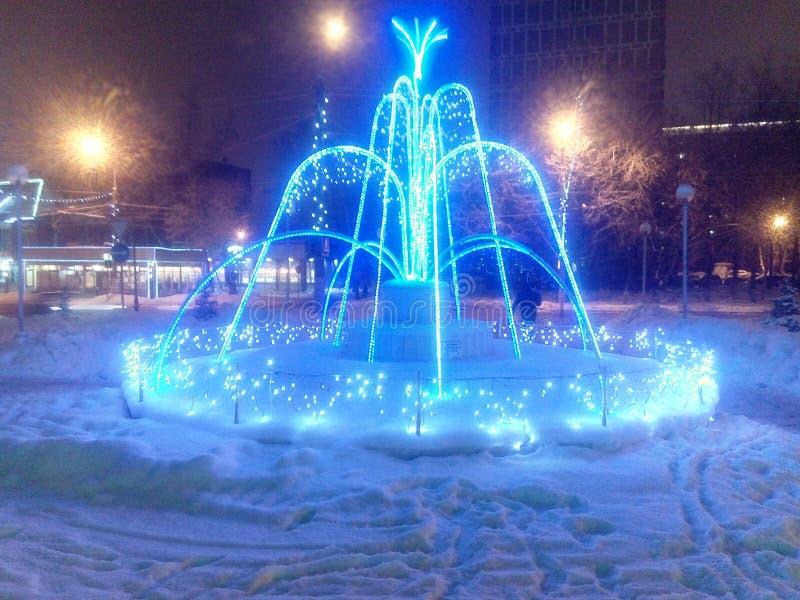 De winter fontain Kerstmis en Nieuwjaar royalty-vrije stock foto