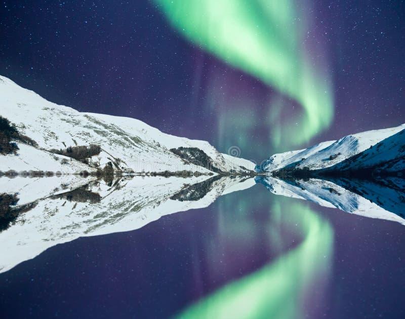 De winter in Noordelijke de Lichtenaka Aurora Borealis van Wales royalty-vrije stock afbeelding