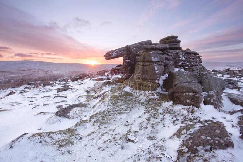 De winter op belstonepiek Dartmoor stock afbeelding