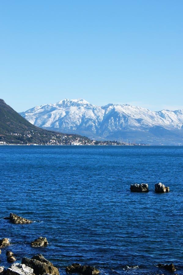 De winter op de kust van het Adriatische Overzees stock afbeeldingen