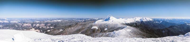 De winter, panorama, spar, sneeuw, landschap, berg, royalty-vrije stock afbeeldingen