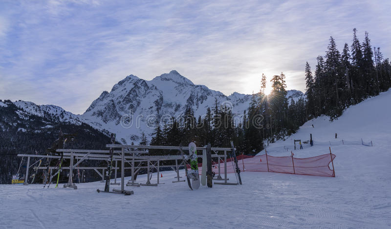 De winteractiviteiten in MT Baker Ski Area stock afbeelding