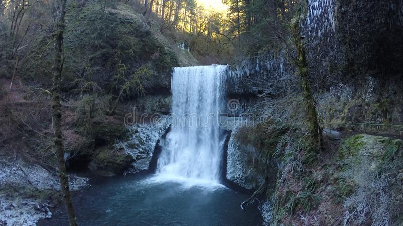 Download De winterdaling stock foto. Afbeelding bestaande uit waterval - 54089476