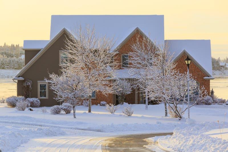 De winterhuis stock fotografie