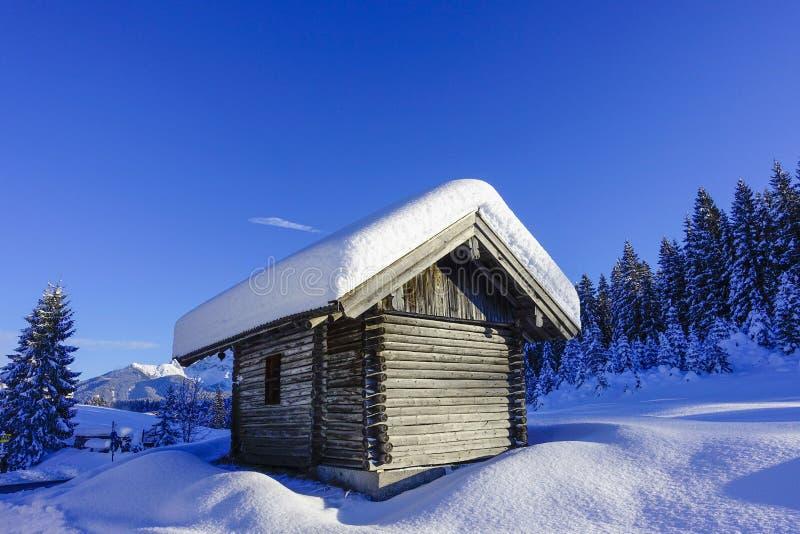 De winterlandschap in Hoger Beieren, Duitsland royalty-vrije stock foto's