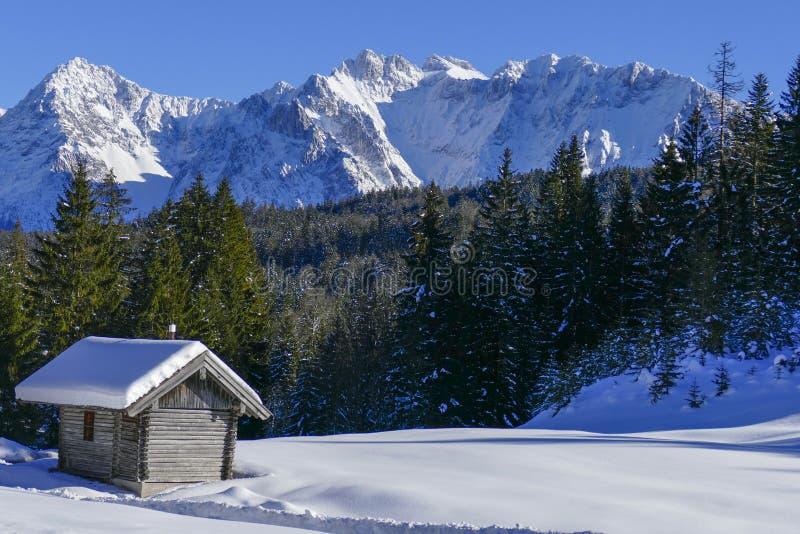De winterlandschap in Hoger Beieren, Duitsland stock afbeeldingen